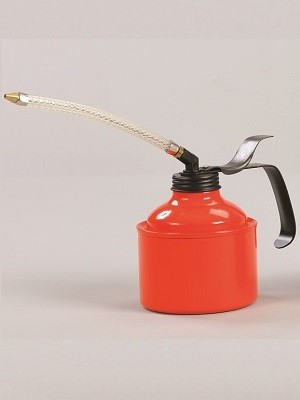A Large metal oil can with flexible spout (500cc capacity)